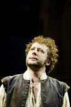 'THE TAMING OF THE SHREW' (Shakespeare)~Jasper Britton (Petruchio)~Royal Shakespeare Company / Royal Shakespeare Theatre, Stratford-upon-Avon            09/04/2003