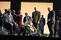 'FIDELIO' (Beethoven)~final scene, front l-r: Reinhard Hagen (Rocco), Charlotte Margiono (Leonore), Kim Begley (Florestan), Steven Page (Don Pizarro), Alan Opie (Don Fernando)~Glyndebourne Festival Op...