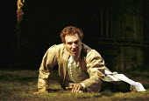 'RICHARD II' (Shakespeare),Ralph Fiennes (King Richard II),Almeida Theatre Company/Gainsborough Studios, London N1  11/04/2000,