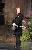 'RICHARD II' (Shakespeare - director: Steven Berkoff),a petulant monarch: Timothy Walker (King Richard II),Ludlow Festival, Ludlow Castle / Shropshire, England                       27/06/2005,