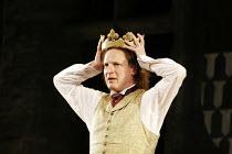'RICHARD II' (Shakespeare - director: Steven Berkoff),Timothy Walker (King Richard II),Ludlow Festival, Ludlow Castle / Shropshire, England                       27/06/2005,
