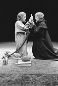 'RICHARD II' (Shakespeare)~l-r: Richard Pasco (Richard II), Ian Richardson (Bolingbroke)~RSC/RST, Stratford-upon-Avon  1973