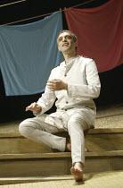 'TWELFTH NIGHT' (Shakespeare - director: Stephen Beresford)~Paul Bhattacharjee (Malvolio)~Albery Theatre, London WC2                 26/08/2004