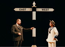 TWELFTH NIGHT by Shakespeare   director: Adrian Noble~Philip Voss (Malvolio), Helen Schlesinger (Viola)~RSC / RST  25/11/1997
