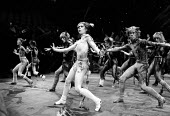 CATS based on T. S. Eliot's 'Old Possum's Book of Practical Cats' composer: Andrew Lloyd Webber design: John Napier lighting: David Hersey choreography: Gillian Lynne director Trevor Nunn~centre: Fino...