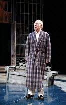 TWELFTH NIGHT   by Shakespeare   director: Philip Franks <br>,II/iii: Patrick Stewart (Malvolio),Chichester Festival Theatre / West Sussex, England            20/07/2007,