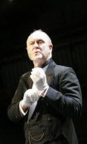 TWELFTH NIGHT   by Shakespeare   director: Neil Bartlett <br>,John Lithgow (Malvolio),Royal Shakespeare Company / Courtyard Theatre, Stratford-upon-Avon, England     05/09/2007   ,