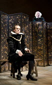 TWELFTH NIGHT   by Shakespeare   design: Anthony Ward   lighting: Peter Mumford   director: Peter Hall ~l-r: Simon Paisley Day (Malvolio), Simon Callow (Sir Toby Belch)~Cottesloe Theatre / National Th...