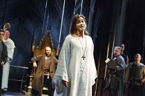 RICHARD II   by Shakespeare   design: Stephen Brimson Lewis   lighting: Tim Mitchell   director: Gregory Doran ~IV/i - rear centre: Nigel Lindsay (Henry Bolingbroke)   front: David Tennant (King Richa...