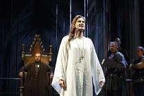 RICHARD II   by Shakespeare   design: Stephen Brimson Lewis   lighting: Tim Mitchell   director: Gregory Doran ~IV/i - rear: Nigel Lindsay (Henry Bolingbroke)   front: David Tennant (King Richard II)...