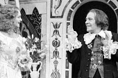 TWELFTH NIGHT by Shakespeare  design: Peter Rice  lighting: Graham Phoenix  director: John Cox Anna Carteret (Olivia), Max Wall (Malvolio)Greenwich Theatre, London SE10   10/03/1977                 (c...