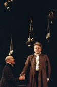 l-r: Simon Day (Horatio), Simon Russell Beale (Hamlet, Prince of Denmark) in  HAMLET by Shakespeare at the Lyttelton Theatre, National Theatre (NT), London SE1: first night 05/09/2000   design: Tim Ha...