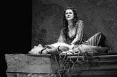 ANTONY AND CLEOPATRA by Shakespeare set design: Alison Chitty lighting: Stephen Wentworth director: Peter Hall <br> Cleopatra mourns for Antony: Anthony Hopkins (Mark Antony), Judi Dench (Cleopatra) O...