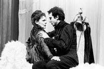 HAMLET by Shakespeare set design: John Gunter costumes: Liz da Costa director: Richard Eyre <br> Judi Dench (Gertrude), Daniel Day-Lewis (Hamlet) Olivier Theatre, National Theatre (NT), London SE1 16/...