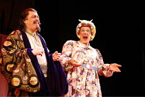 l-r: Roger Allam (Abbanazar), Ian McKellen (Widow Twankey) in ALADDIN at the Old Vic Theatre, London SE1  16/12/2005 ~in a new version by Bille Brown  set design: John Napier  costumes: Mark Bouman  l...