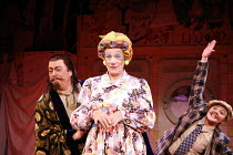 l-r: Roger Allam (Abbanazar), Ian McKellen (Widow Twankey), Frances Barber (Dim Sum) in ALADDIN at the Old Vic Theatre, London SE1  16/12/2005 ~in a new version by Bille Brown  set design: John Napier...