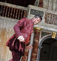 CORIOLANUS   by Shakespeare   director: Dominic Dromgoole,Jonathan Cake (Coriolanus),Shakespeare^s Globe, London SE1                     10/05/2006,