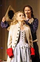 COSI FAN TUTTE   music by Mozart   libretto by da Ponte   conductor: Ivan Fischer   director: Nicholas Hytner,Miah Persson (Fiordiligi), Topi Lehtipuu (Ferrando),Glyndebourne Festival Opera / East Sus...