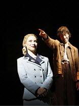 EVITA  music: Andrew Lloyd Webber  lyrics: Tim Rice  director: Michael Grandage ~~Elena Roger (Eva Peron), Matt Rawle (Che)~Adelphi Theatre, London WC2  21/06/2006 ~(c) Donald Cooper/Photostage   phot...