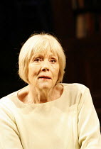 HONOUR   by Joanna Murray-Smith director: David Grindley~Diana Rigg (Honor)~Wyndham^s Theatre, London WC2                   14/02/2006