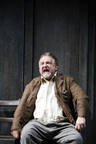 THE LIFE OF GALILEO   by Brecht, in a version by David Hare   director: Howard Davies   design: Bunny Christie,Simon Russell Beale (Galileo Galilei),Olivier Theatre / National Theatre, London SE1...