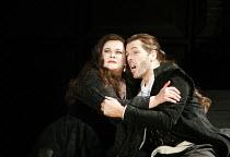 MACBETH   by Verdi   after Shakespeare   conductor: Yakov Kreizberg   director: Phyllida Lloyd,Violeta Urmana (Lady Macbeth), Thomas Hampson (Macbeth),The Royal Opera / Covent Garden, London WC2...