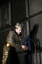 MACBETH   by Verdi   after Shakespeare   conductor: Yakov Kreizberg   director: Phyllida Lloyd,Thomas Hampson (Macbeth),The Royal Opera / Covent Garden, London WC2                            18/02/200...