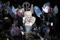 A MIDSUMMER NIGHT'S DREAM   music: Benjamin Britten   after Shakespeare   conductor: Ilan Volkov   original director: Peter Hall,Iride Martinez (Tytania) with fairies,Glyndebourne Festival Opera, E.Su...