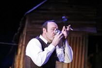 A MOON FOR THE MISBEGOTTEN   by Eugene O^Neill   director: Howard Davies,desperate for a drink: Kevin Spacey (Jim Tyrone),Old Vic Theatre, London SE1      26/09/2006,