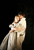 LE NOZZE DI FIGARO   (The Marriage of Figaro)   by Mozart   ,conductor: Antonio Pappano   director: David McVicar   design: Tanya McCallin,Miah Persson (Susanna), Erwin Schrott (Figaro),The Royal Oper...