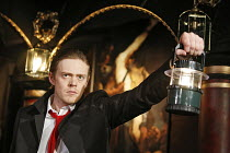 THE REVENGER^S TRAGEDY   by Middleton   in a new version by Meredith Oakes   director: Gavin McAlinden~Kris Marshall (Vindici)~Southwark Playhouse, London SE1                   10/03/2006