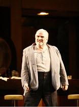 RIGOLETTO   by Verdi   conductor: Alexander Briger   original director: Jonathan Miller,Act II - Alan Opie (Rigoletto),English National Opera / London Coliseum                       09/02/2006,