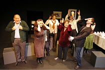 SIT AND SHIVER   written & directed by Steven Berkoff,l-r: Linal Haft (Lionel), Catherine Bailey (Shirly), Bernice Stegers (Betty), Sue Kelvin (Debby), Saul Reichlin (Morris), Iddo Goldberg (Mike),New...