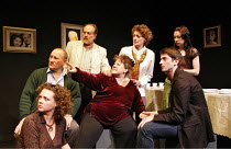 SIT AND SHIVER   written & directed by Steven Berkoff,l-r: Catherine Bailey (Shirly), Linal Haft (Lionel), Saul Reichlin (Morris), Sue Kelvin (Debby), Bernice Stegers (Betty), Iddo Goldberg (Mike), Le...