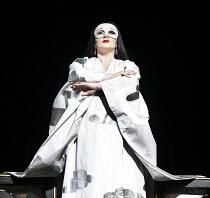 TURANDOT by Puccini - conductor: Stefan Soltesz  original director: Andrei Serban,Georgina Lukacs (Turandot)   ,The Royal Opera / Covent Garden   London WC2        07/07/2006,