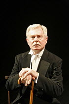 A VOYAGE ROUND MY FATHER   by John Mortimer   director: Thea Sharrock,Derek Jacobi (Father),Donmar Warehouse / London WC2                   13/06/2006  ,
