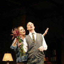 WHO^S AFRAID OF VIRGINIA WOOLF?   by Edward Albee   director: Anthony Page,Kathleen Turner (Martha), Bill Irwin (George),Apollo Theatre, London W1         31/01/2006  ,