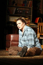 WHO^S AFRAID OF VIRGINIA WOOLF?   by Edward Albee   director: Anthony Page,Kathleen Turner (Martha),Apollo Theatre, London W1         31/01/2006  ,