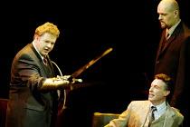 GOTTERDAMMERUNG (Wagner)~l-r: Graham Sanders (Siegfried), Peter Savidge (Gunther), (rear) Mats Almgren (Hagen)~Scottish Opera / Festival Theatre, Edinburgh                  05/04/2003