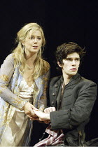 'HAMLET' (Shakespeare - director: Trevor Nunn   design: John Gunter   lighting: Paul Pyant)~Imogen Stubbs (Gertrude), Ben Whishaw (Hamlet)~The Old Vic, London SE1                        27/04/2004