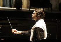 'LA CENERENTOLA' (Rossini - conductor: Vladimir Jurowski   director: Peter Hall),Vladimir Jurowski - conductor,Glyndebourne Festival Opera / East Sussex, England   19/05/2005,