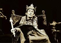 MACBETH  by Shakespeare  design: Bob Crowley  lighting: Brian Harris  director: Bryan Forbes ~Peter O'Toole (Macbeth)~Old Vic Theatre, London SE1  1980