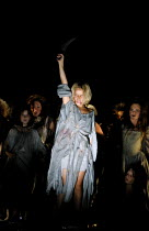 'MACBETH' (Verdi)~the witches~Kirov Opera/The Royal Opera, London WC2  11/07/2001