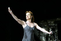 MACBETH  by Shakespeare  design: Michael Pavelka  lighting: Ben Ormerod  director: Edward Hall ~Samantha Bond (Lady Macbeth)~Albery Theatre, London WC2  14/11/2002 ~(c) Donald Cooper/Photostage   phot...