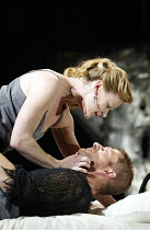 MACBETH  by Shakespeare  design: Michael Pavelka  lighting: Ben Ormerod  director: Edward Hall ~Samantha Bond (Lady Macbeth), Sean Bean (Macbeth)~Albery Theatre, London WC2  14/11/2002 ~(c) Donald Coo...