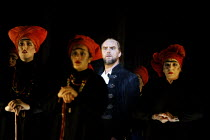 'MACBETH ' (Verdi)~Anthony Michaels-Moore (Macbeth) with witches~The Royal Opera/Covent Garden, London WC2                     13/06/2002
