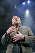 MACBETH  by Shakespeare  design: Christopher Oram  lighting: Neil Austin  director: John Caird  ~Simon Russell Beale (Macbeth) ~Almeida Theatre, London N1  19/01/2005
