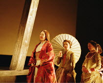 'MADAMA BUTTERFLY' (Puccini)~Act I - entrance of Butterfly: Natalia Dercho (Cio-Cio-San)~Scottish Opera  05/12/2000