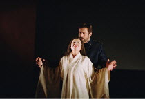 'MADAMA BUTTERFLY' (Puccini)~Act I - wedding night: Natalia Dercho (Cio-Cio-San), Ian Storey (Lt. B.F. Pinkerton)~Scottish Opera  05/12/2000