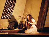 'MADAMA BUTTERFLY' (Puccini) final scene - Butterfly prepares to die: Natalia Dercho (Cio-Cio-San) Scottish Opera  05/12/2000
